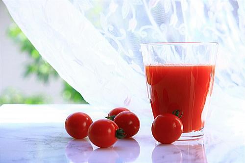 トマトジュースなら簡単にトマトの健康パワーを摂取できる
