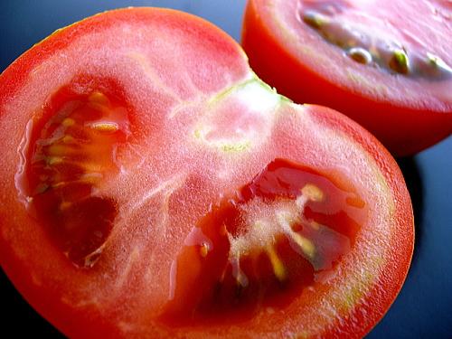 トマトの食物繊維は大腸にも肝臓にもイイ